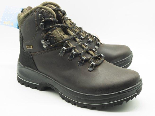 Mayorista de botas de montaña con membrana impermeable. Distribuidor, fabricante, mayorista de calzado Madrid